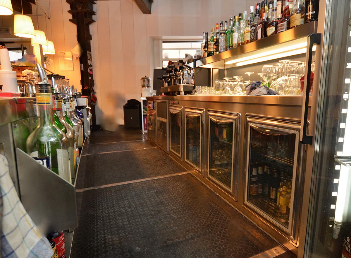 bancone-bar-acciaio-inox